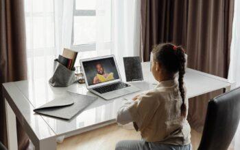 Comece a faculdade online hoje! As 4 coisas que precisa saber